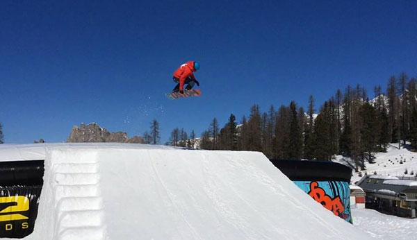 Freesyle snowboard course