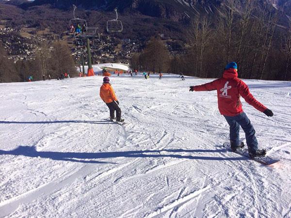 Private_lesson_beginner_advanced_snowboard_school_boarderline_cortina