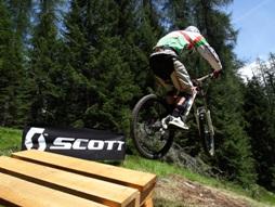 Downhill_biciclette_bike_Cortina_d'Ampezzo_Dolomiti