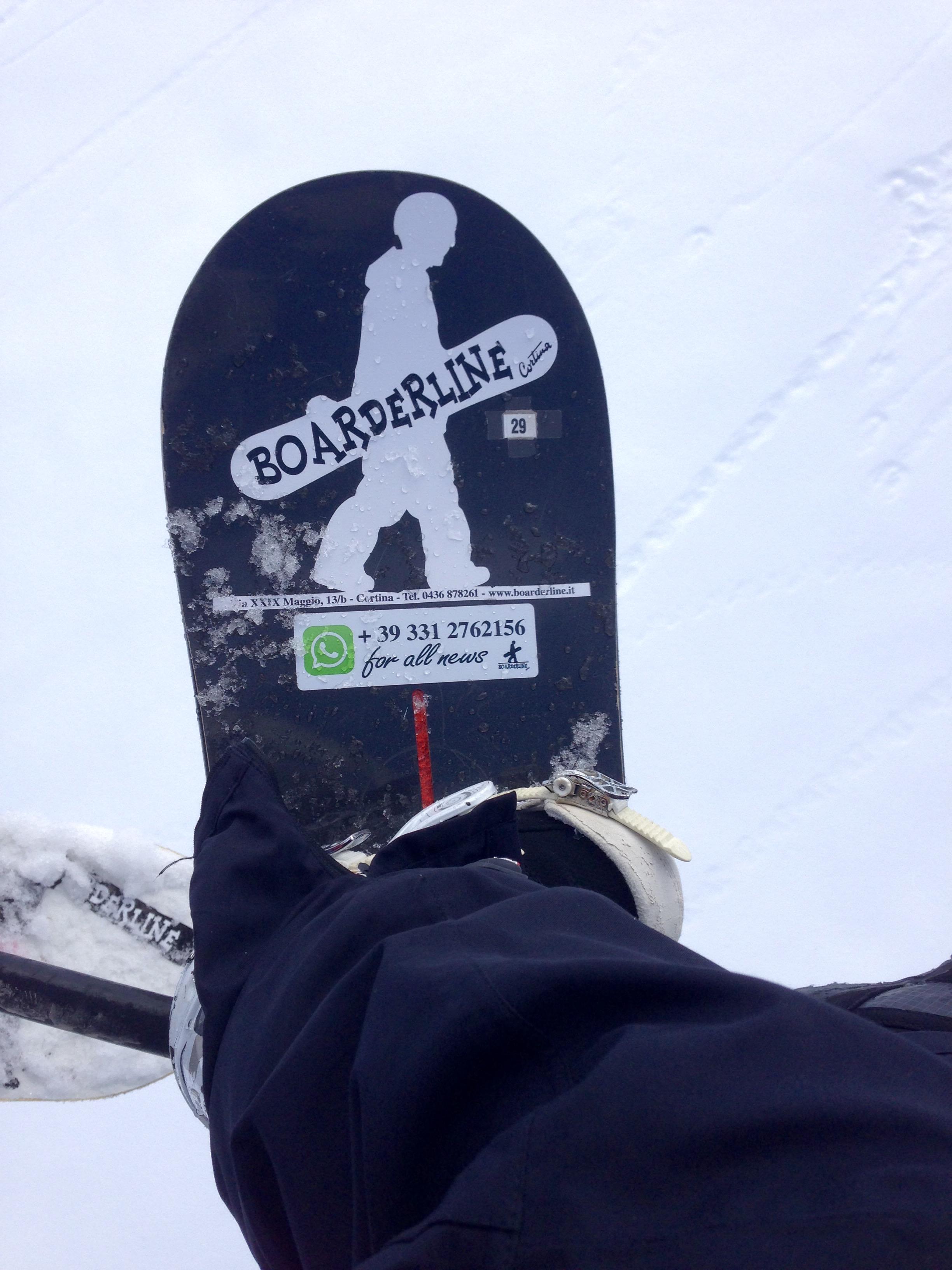 Boarderline_cortina_d_ampezzo_snowboard_scuola_snowboard_noleggio_apertura_faloria_cortinacube