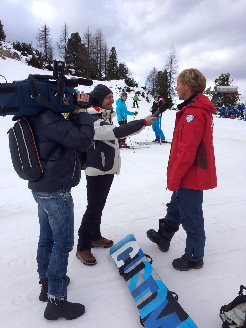 Boarderline_cortina_d_ampezzo_snowboard_scuola_snowboard_noleggio_apertura_faloria_cortinacube1