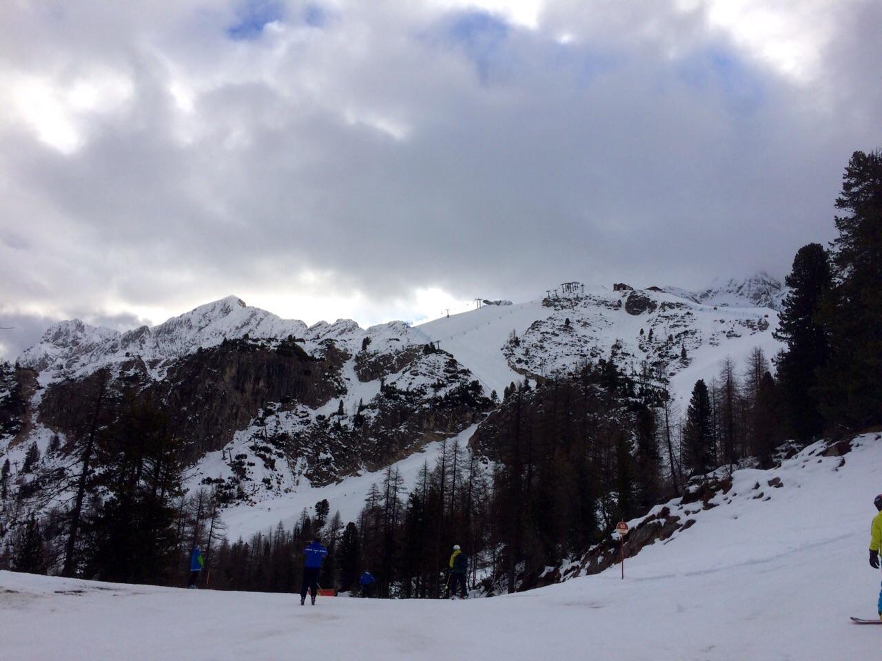 Boarderline_cortina_d_ampezzo_snowboard_scuola_snowboard_noleggio_apertura_faloria_cortinacube3