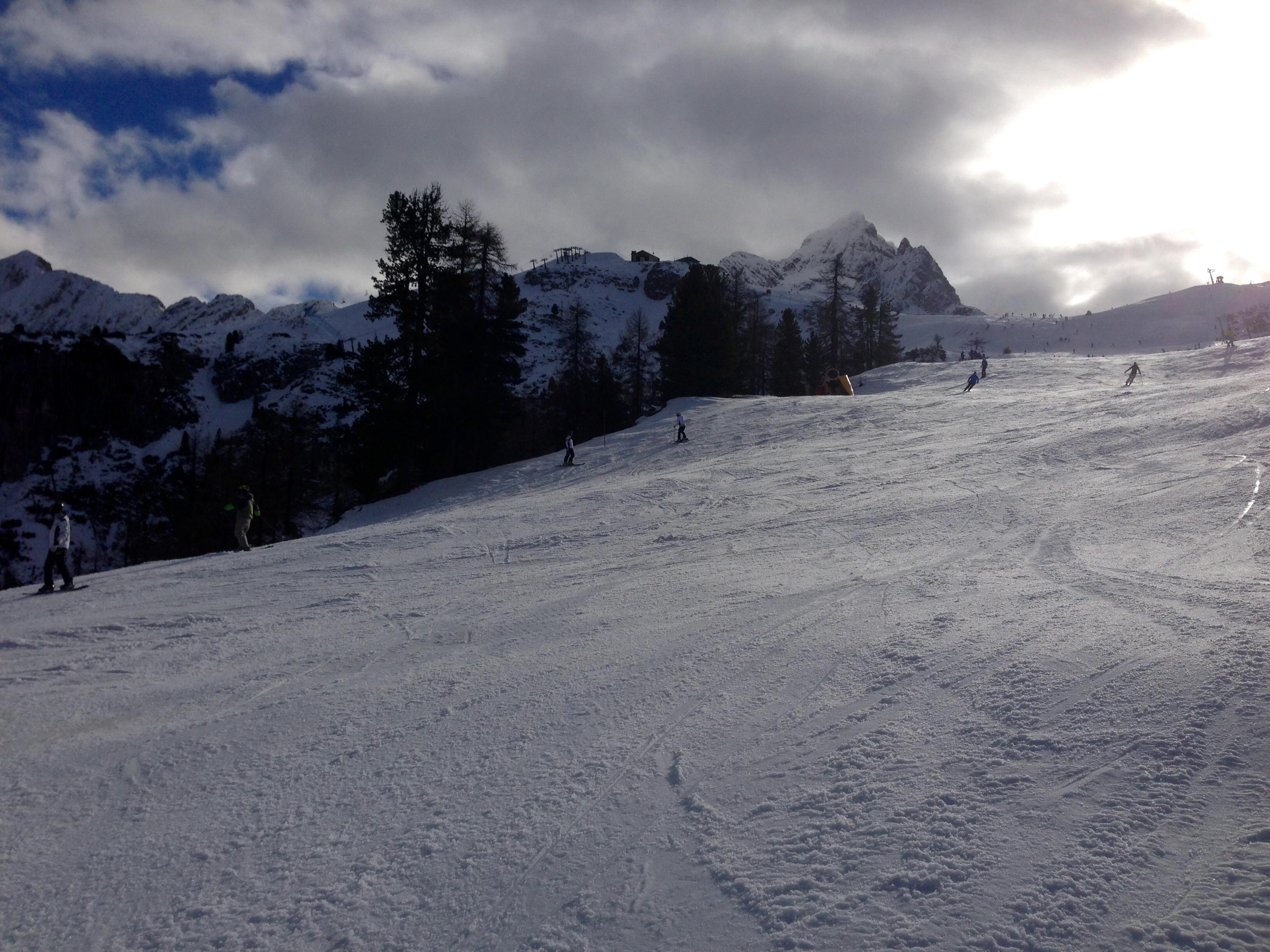 Boarderline_cortina_d_ampezzo_snowboard_scuola_snowboard_noleggio_apertura_faloria_cortinacube6