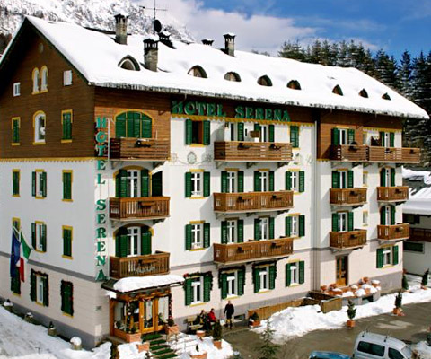 3 stars hotel in cortina d 39 ampezzo boarderline for Hotel meuble royal cortina d ampezzo